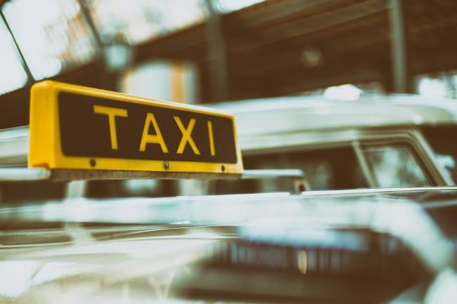 Bordje taxi bij afgewezen VOG